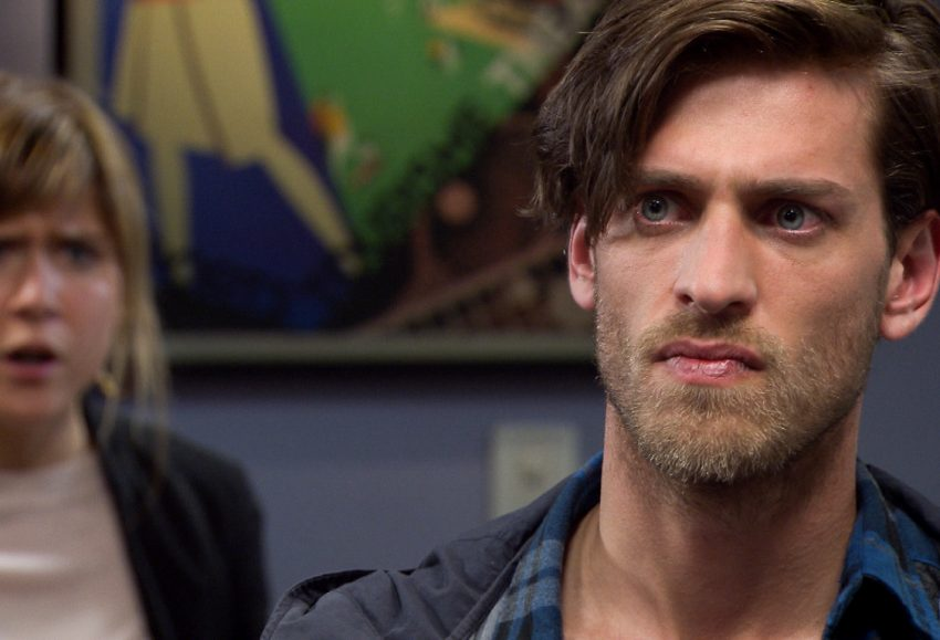 Familie-acteur Vincent Banic overlaadt Bab Buelens met complimentjes